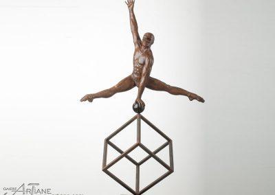 Jorge Marin-Split-sur-cube-91x241x55cm